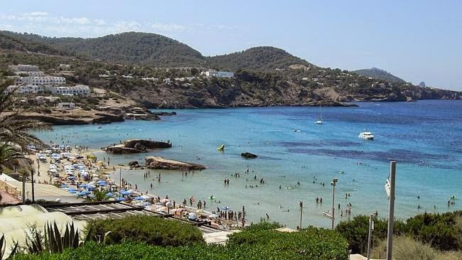 Pantai Cala Tarida