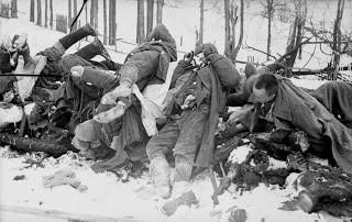 Tentara Soviet yang tewas dibantai