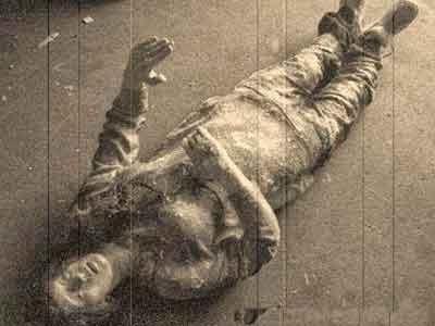 Salah satu mayat kru kapal Ourang Medan