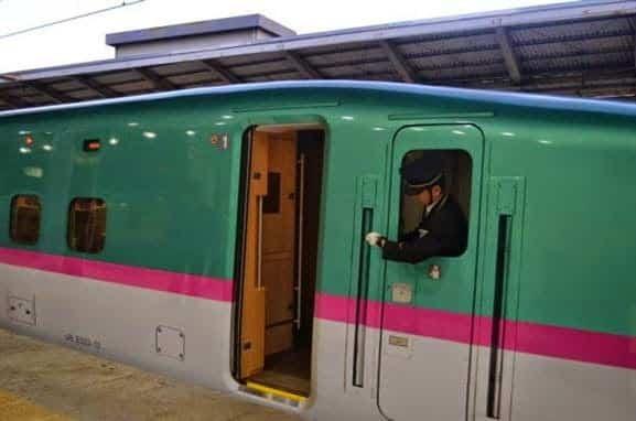 Jadwal Kereta api Jepang dikenal sebagai yang paling tepat waktu di dunia.