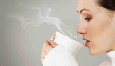 Minum air hangat di pagi hari