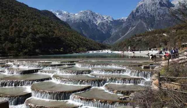 Pemandangan elok pegunungan Baishuitai