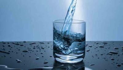 Mitos minum air 8 gelas sehari