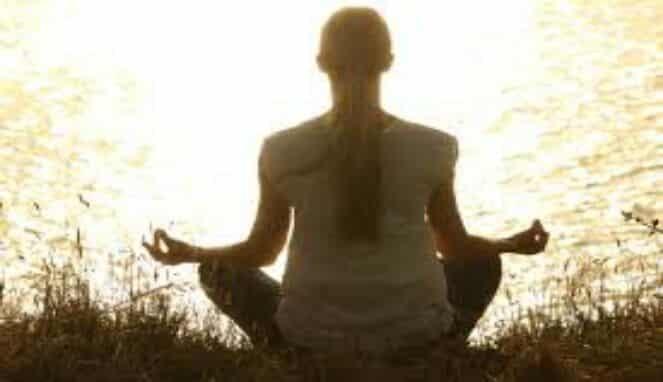 Meditasi mengontrol haus dan lapar