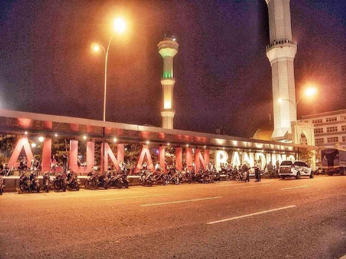 Alun - alun Kota Bandung