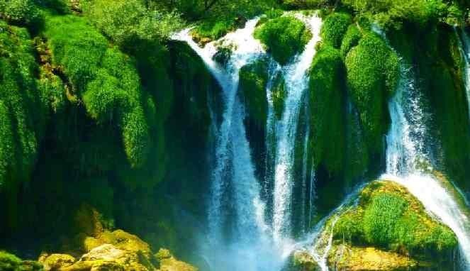 Asal usul air di bumi