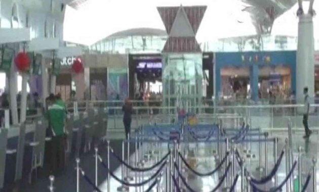 Bandara sepi penumpang