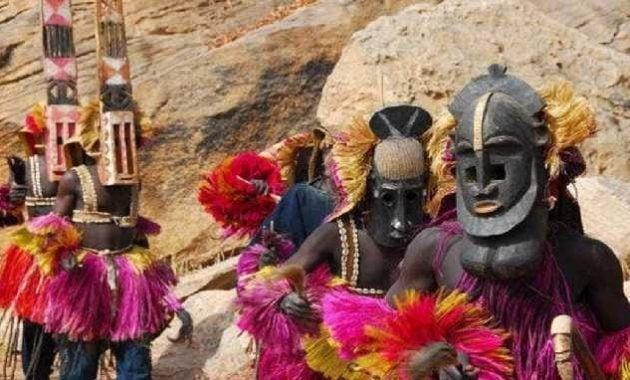 Suku Dogon di Afrika