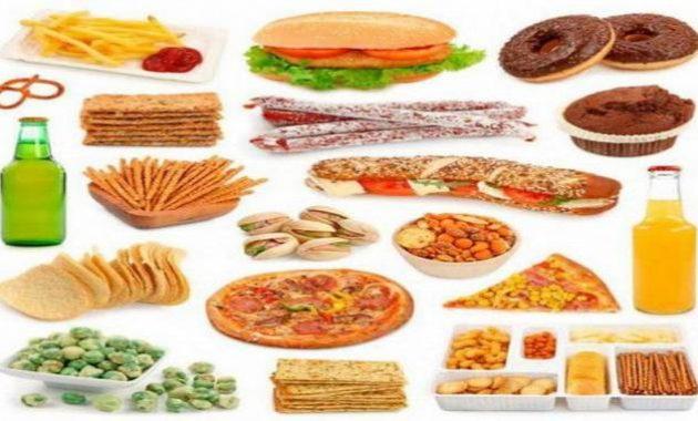 Makan makanan olahan